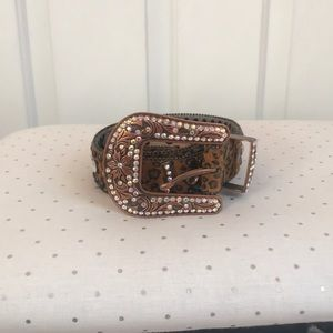 Western/boho rhinestone belt ❤️ offers welcome !